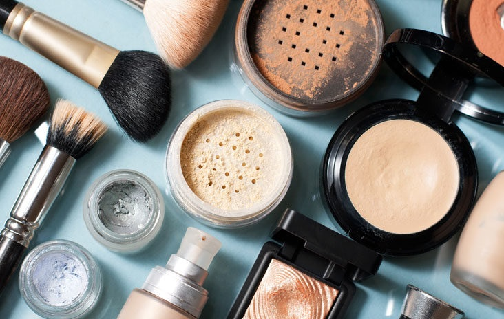 Medical Cosmetics vs Ordinary Cosmetics: TOP 5 Online Stores