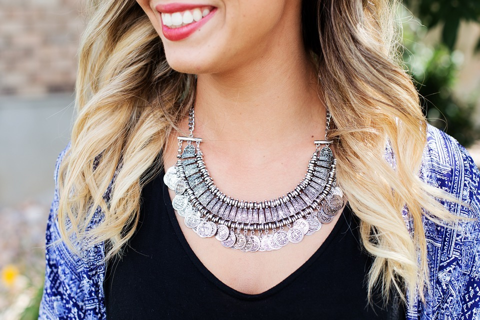 Tips To Wearing The Right Jewelry