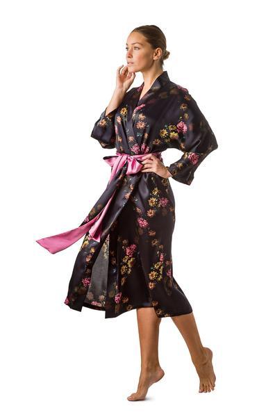 How to put on kimono gowns?